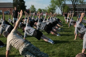 Dave Reddy Military Fitness Consultingdoinng side planks
